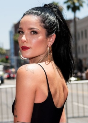 halsey-a-star-is-born-cameo-1536183609-640x427